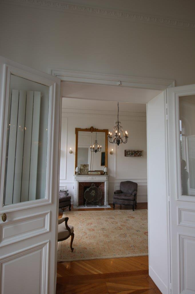 img_12-view-from-grand-salon-into-petit-salon