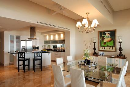 img_21_21diningkitchen