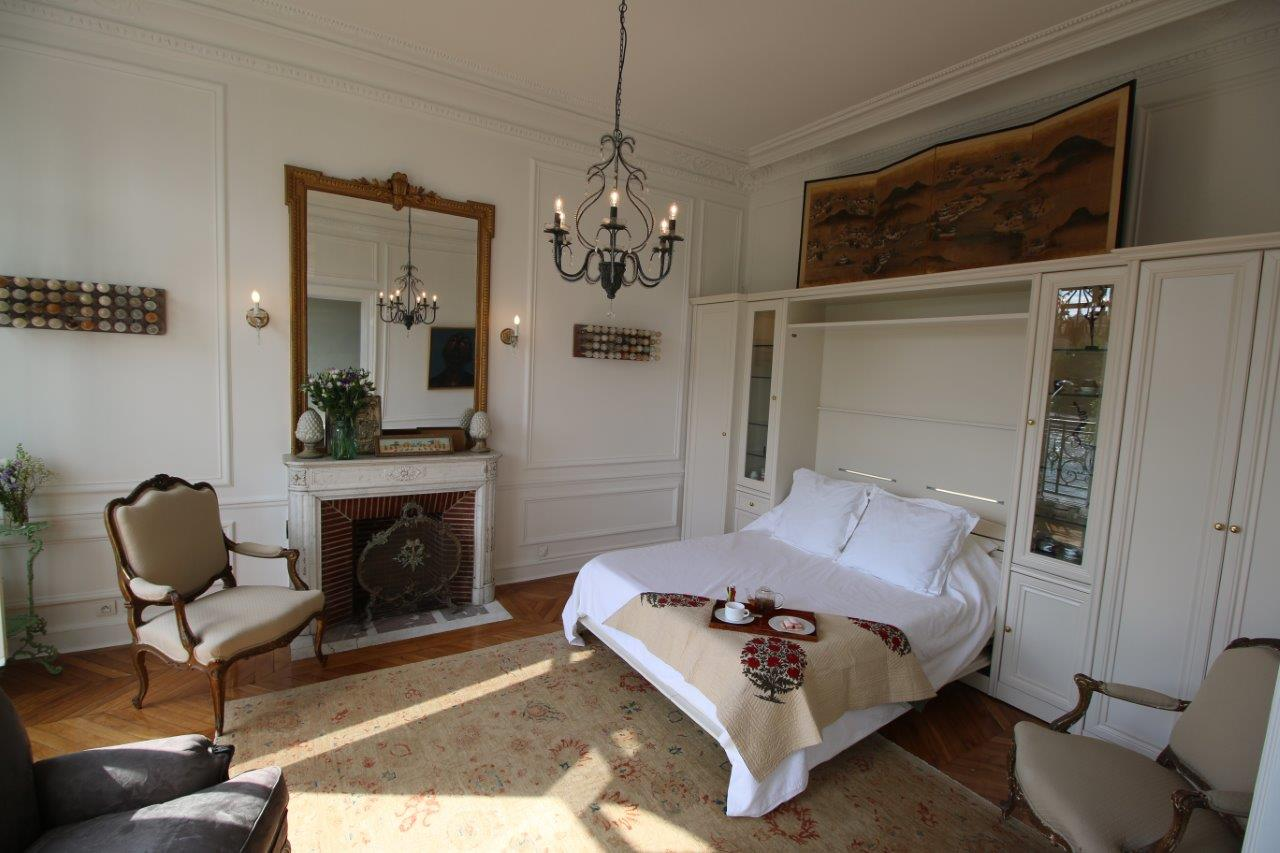 img_23-Petit-salon-luxury-murphy-bed-2