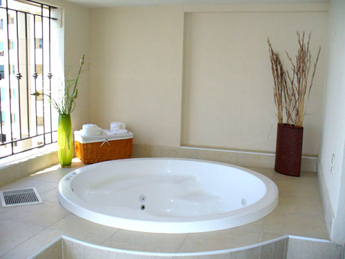 img_29_309cpf1004jacuzzijpg