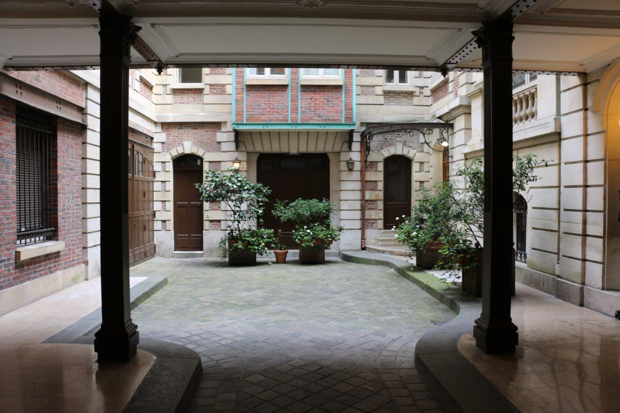 img_32-Ground-floor-inner-courtyard