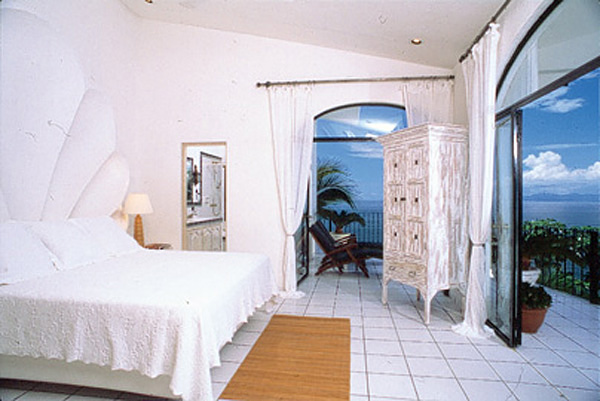 img_65_bedroom1