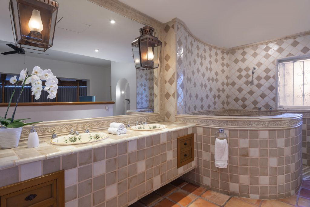 31 Casita Bathroom